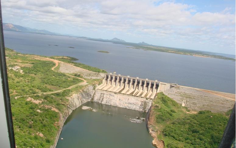 Lançado edital para projeto de aproveitamento de áreas do Castanhão para instalação e operação de sistemas de geração de energia fotovoltaica
