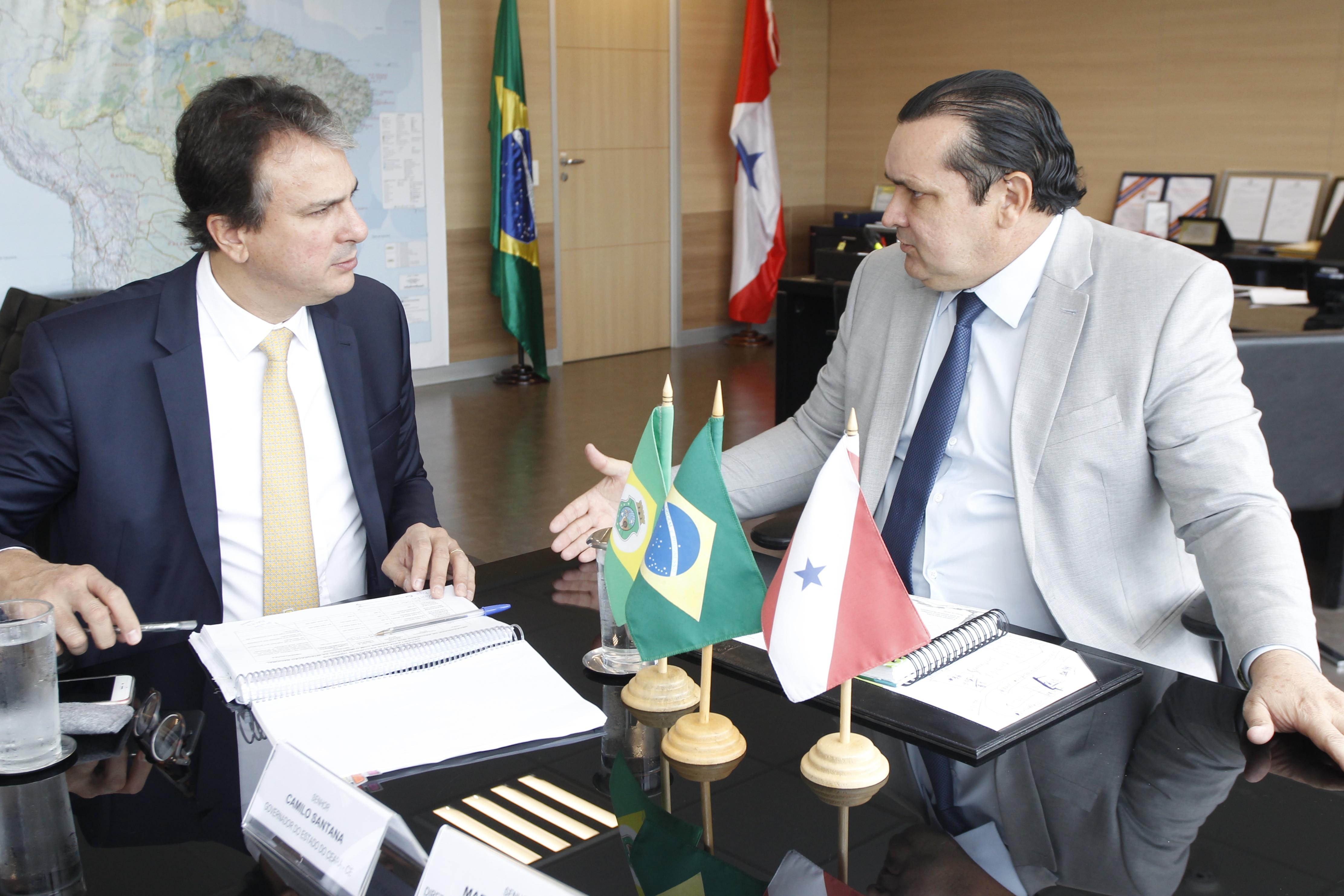 Em reunião com o governador, ministro libera R$ 43 milhões para o CAC e marca inauguração da transposição
