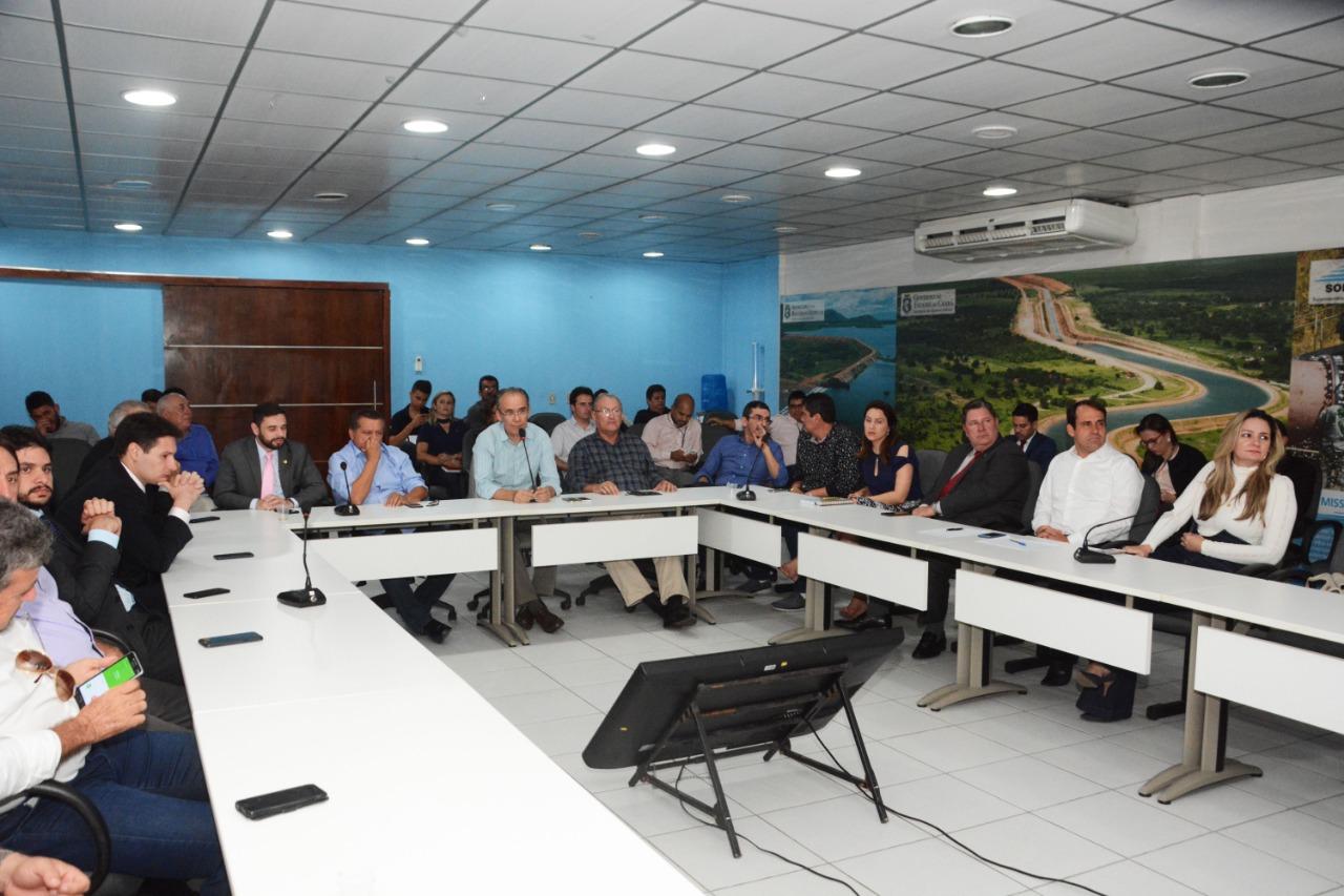 Deputados e vereadores conhecem ações do Sistema Hídrico Cearense